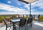 Location vacances One Mile - Beach View At One Mile', 8/26 One Mile Close - infinity complex pool & Wifi-4