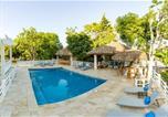 Hôtel Montego Bay - Blue Paloma Bed & Breakfast-3