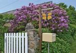 Location vacances Saint-Servais - Holiday Home Monarch Butterfly Gite-3
