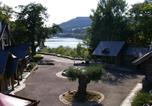 Location vacances  Belgique - Comfortable Holiday Home In Ardennes Beside A Lake-4