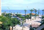 Location vacances  Pyrénées-Orientales - T2 avec vue sur mer à 60 mètres de la plage avec parking privé et tous commerces alentour-1