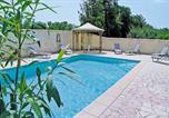 Location vacances Cavaillon - Holiday Home Cavaillon Route De Gordes-1