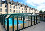 Location vacances Baguer-Pican - Residence Dugueclin
