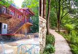 Location vacances Saint-Hilaire-Peyroux - Eco-Gîte insolite - Domaine des Loubières-1
