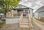 Location vacances Mt Desert - Renovated Southwest Harbor Cottage on a Dock!-1