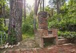 Location vacances Oakhurst - Cookiebutter Cabin-1