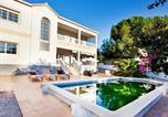 Location vacances Garriguella - Holiday Home Garbi-4