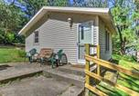 Location vacances Green Lake - Lakefront Westfield Studio Cabin with Fire Pit and Dock-1