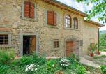 Location vacances Ortignano Raggiolo - Amazing home in Ortignano Raggiolo with Outdoor swimming pool, Wifi and 6 Bedrooms-3