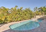 Location vacances Miami Lakes - Spacious North Miami Beach House with Pool and Gazebo!-2