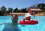 Camping avec Piscine Nages - Camping Domaine Le Vernis-2