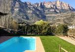 Location vacances Castellolí - Villa with 3 bedrooms in Monistrol de Montserrat with wonderful mountain view private pool furnished terrace-1