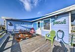 Location vacances Freeport - Vibrant Beach Escape with Yard 1 Mi to Fish and Swim!-2