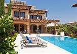 Location vacances  Chypre - Villa in Kouklia Sleeps 4 includes Swimming pool Air Con and Wifi 7 8-1