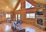 Location vacances Sparta - Pet-Friendly Warrens Cabin with Private Deck-1
