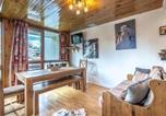 Location vacances Val-d'Isère - Apartment Isr23 - superbe appartement, centre ville, proche pistes et commerces.-1