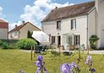 Location vacances  Aube - Holiday Home Landreville Rue De Crais-1