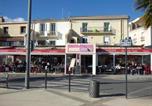 Hôtel Aumes - Hotel-Restaurant Du Port-1