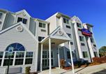 Hôtel Elk Grove Village - Howard Johnson by Wyndham Elk Grove Village Hotel & Suites-1