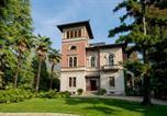 Location vacances Lierna - Mandello del Lario Villa Sleeps 12 Pool-1