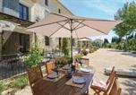 Location vacances Théziers - Awesome home in Vallabregues w/ Outdoor swimming pool, Jacuzzi and 6 Bedrooms-3