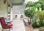 Location vacances  Province de Ravenne - Casa con giardino-1