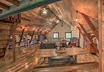 Location vacances Fergus Falls - 'The Boars Abode' Renovated Barn Home in Donnelly!-1