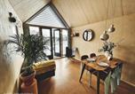 Villages vacances Réseau des moulins de Kinderdijk-Elshout - Basecamp Tiny House Eco Resort-4