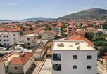 Location vacances Trogir - Two-Bedroom Apartment in Trogir-4