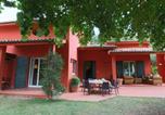 Location vacances  Province de Teramo - Modern Cottage in Colonnella with Pool-1