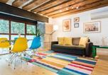 Bnbholder Rustic & Colorful Sol