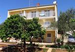 Location vacances Stari Grad - Apartment Stari Grad 102b-1