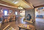 Location vacances Palatine Bridge - Country Escape with Sauna, 10 Mi to Cooperstown-1
