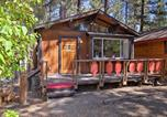 Location vacances Big Bear City - Cozy Big Bear Cabin with Spacious Deck and Fireplace!-2