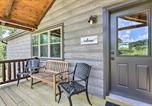 Location vacances Williamstown - Cozy Cabin with Hot Tub and Deck in Hocking Hills!-2