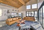 Location vacances Yakima - Modern Mountaintop Retreat with Hot Tub and Views-3