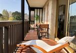 Location vacances  Calvados - Beau studio terrasse vue jardin - à 2 pas de la mer-1