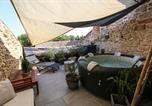 Location vacances Sigalens - Maison atypique dans cité médiévale-1