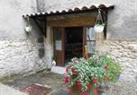 Location vacances  Alpes-de-Haute-Provence - Grange Voutée avec jardin-4