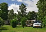 Camping avec Piscine couverte / chauffée Poilly-lez-Gien - Camping La Belle Etoile-1