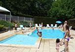 Camping Rodez - Amphithéâtre - Village de Vacances Les Chalets de la Gazonne-1