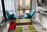 Location vacances  Paris - Studio Champs-Elysées-4