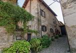 Location vacances  Province d'Alexandrie - Lovely Castle in Tagliolo Monferrato Amidst Vineyards-3