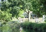 Villages vacances Hambers - Camping Le Vieux Chêne-1