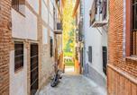 Location vacances Grenade - Budget Apartment in Granada with balcony close to ski area-2
