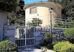 Location vacances Cres - Round house by the beach-1