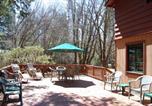 Location vacances Fish Camp - Bassetts Cabin-2