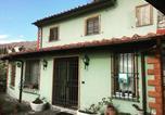 Location vacances  Province de Prato - Casetta Verde-2
