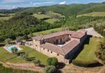 Location vacances Castellina in Chianti - San Leonino Villa Sleeps 12 Wifi-1