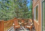 Location vacances Medford - Bright Klamath Falls Cabin with Deck and Mtn Views!-2